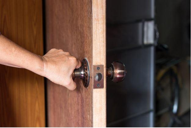 how to unlock a deadbolt door without a key